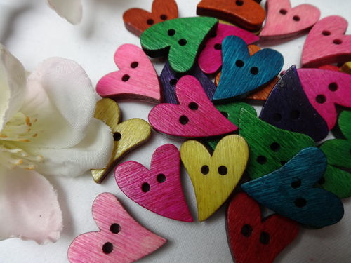 Buttons 17x21mm wood 10 pieces colorful heart large