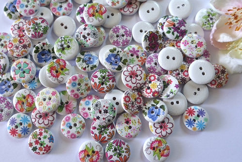 Buttons 15mm wood 10 pieces colorful round flowers